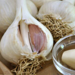 Garlic – The Natural Remedy to Bring Down Cholesterol and Blood Pressure