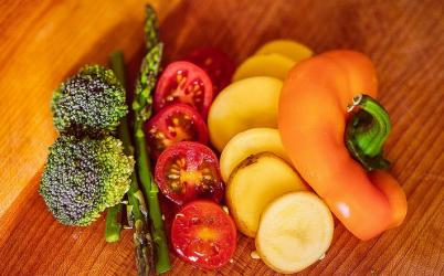 10 Negative Calorie Foods to Help Lose Weight