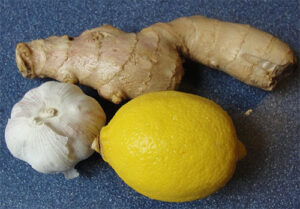 Natural Drink to Cure for Clogged Arteries - Lemon Ginger Garlic