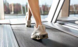 Walking 4KM on Treadmill 3 percent Incline Burns 470 Calories